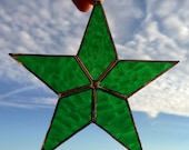 Green Hammered Star Stained Glass Sun Catcher