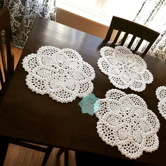 Crocheting Placemats : Crochet Placemat Pineapple pattern handmade round by LaPetitePetal