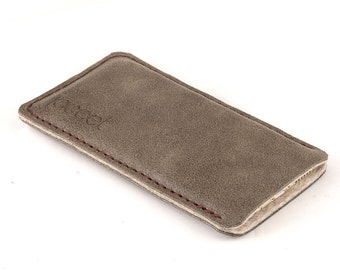 Leather iPhone case. Sand color iPhone 5 sleeve. Also for iPhone 6 / 6 plus. brown felt. Leather sleeve. Leather pouch. Distressed leather