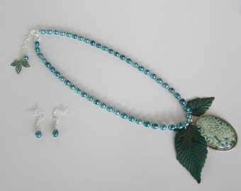 Verdigris Leaf and Pearl Necklace Set