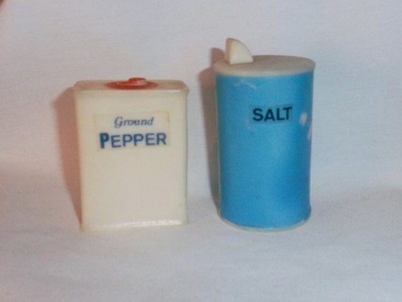 Clearance Plastic Salt And Pepper Shaker Containers By Snpgirl