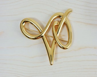 Golden Virgo Brooch V Pin