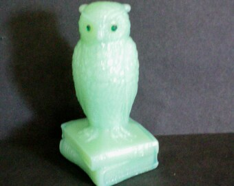 Degenhart Opaque Green Owl Figure / Figurine - 3515