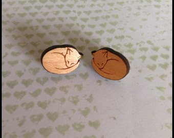 Wooden Kitten Earrings - 1x pair of cherry wood earrings with cat design - 12mm wooden cat set on surgical steel post - Kitty - cat lady