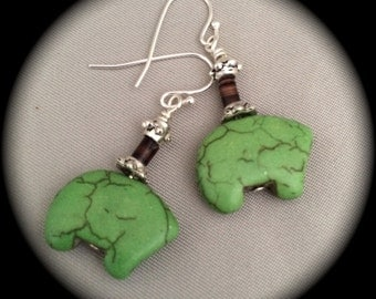 Bear Fetish Earrings - Green Turquoise Magnesite - Silver
