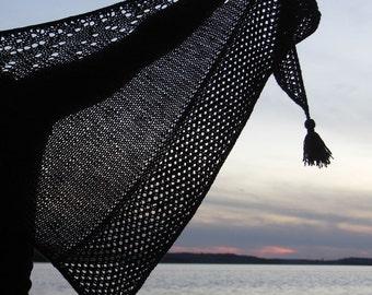 Let the game begin, shawl pattern by Anita Grahn, English, Swedish, instant pdf download, shawl knitting pattern, sock yarn shawl pattern