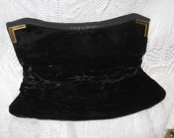 Beautiful Vintage Black Velvet Clutch Purse