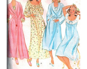McCall's Sewing Pattern 6295  Misses robe and nightgown  Size  XL  Uncut
