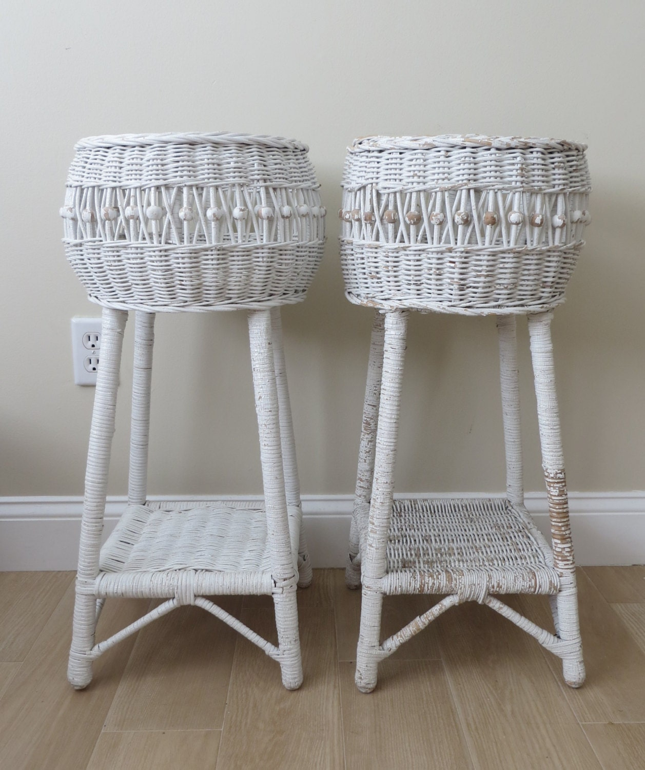 Vintage white wicker plant stands wicker basket wood beads for Wicker stands bathrooms
