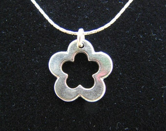Sterling 925 Silver Necklace with Flower Pendant