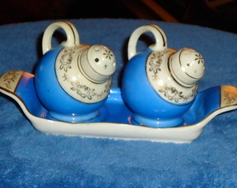 Vintage 1950's Salt and Pepper Shakers with Tray, by The Hinode, Japan