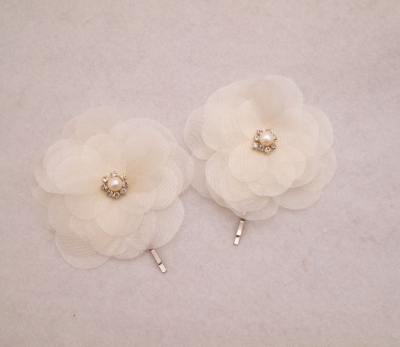 Ivory flower accessory, Bridesmaids Hairpin, Hairpiece, Bridal Hair Accessories, flowergirl bobby pin, Bridal Hairpin by NLcreation