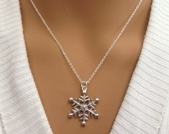 Beautiful Antique silver Snow Flake Necklace