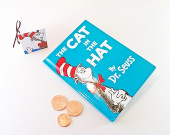 The Cat in the Hat Coin Purse, Dr Seuss purse, Look at me, look at me now!