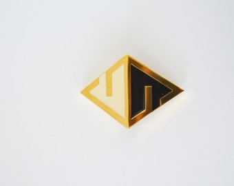 1977 givenchy brooch