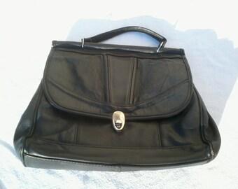 Black handbag vintage leather handle