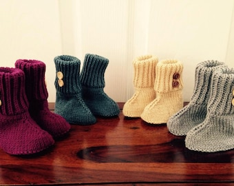 Baby's booties - avaliable in various colours / sizes