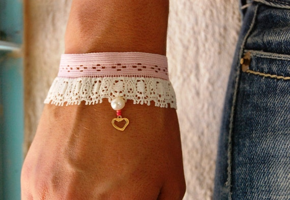 Pink and White Lace Bracelet, Gold Open Heart Element With Pearl and Emerald, Embroidered Bracelet, Stunning Lace Hand Designed Bracelet