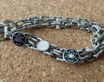 Vintage Signed Tammey Jewels Silvertone Linked Reversible Cancer Zodiac Bracelet With Crab Symbol