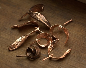 Mistletoe leaf pendant, electroformed with copper, real mistletoe, metal dipped, Christmas pendant, winter gift,botanical jewelry