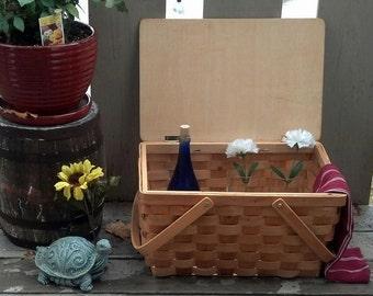 Vintage Warren Kimble Designed Basket with Watermelon and Fly Art / Le pique-nique / Dining Al Fresco / Wedding Gift /Storage Basket/ F608