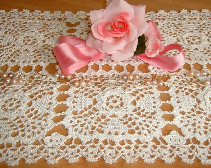 Featured listing image: Rectangular placemat handmade crochet. White cotton Center. Shabby chic. Lace centerpiece. Casa romantica.
