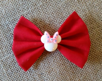 Minnie Mouse red bow