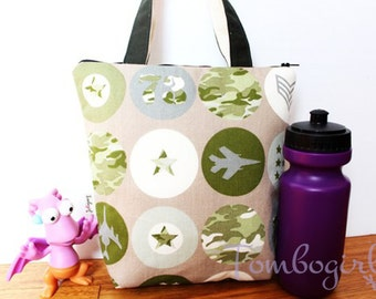Insulated Lunch Bag / lunch Tote, Australian made, zipped, Waterproof lining – Medium, Air force / Camo print
