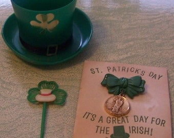 Vintage plastic St. Patrick's Day Irish pin party favors cupcake pick