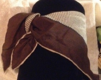 Lovely Retro Brown Neck Scarf
