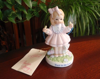 "1992 5.25"" Lefton Figurine The Christopher Collection I Believe Collectible Figurine China Porcelain  L1273"