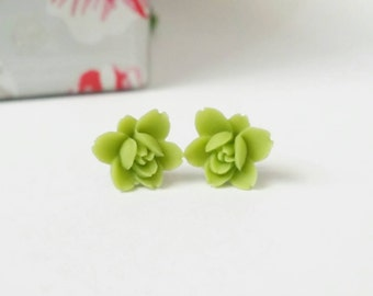 Green flower studs, green flower earrings, green stud earrings, resin flower earrings, resin rose earrings, flower stud earrings, cute studs