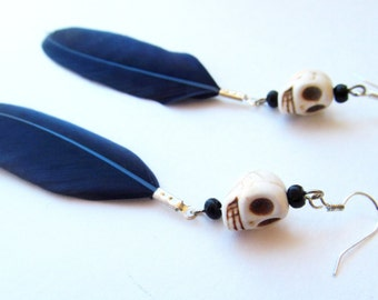 Linda calavera feather earrings-midnight blue- (skull feather earrings, dia de los muertos, day of the dead, Halloween earrings)