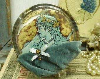 Vintage glass Lady gold leaf paperweight