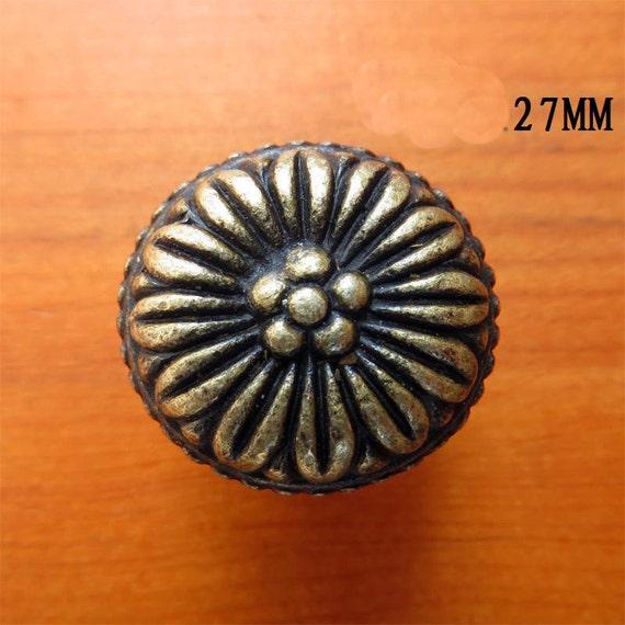 Metal flower knobs ancient drawer pulls bureau by for Glass bureau knobs