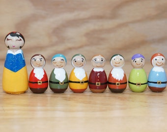 Snow White and the Seven Dwarfs Peg Dolls