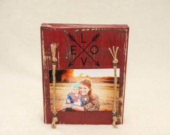 """Block """"Love Arrow"""" freestanding, shabby, distressed, picture frame"""