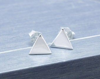 925 stering silver simple triangle stud earrings (R_00015)
