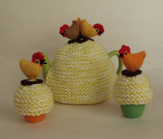 Novelty Tea Cosy Knitting Patterns : Country Chickens Novelty Tea Cosy and Egg Cosy Knitting