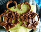 Fake Gauge Wood Sacred Flower Earrings -  Fake Stretching Earrings - Fake Gauged Taper Sawo Wood Wooden Flower Earrings -A035