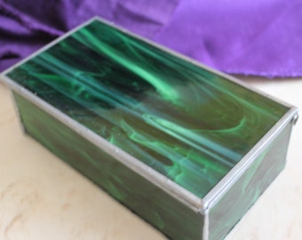 Charming Vintage Jade Colored Glass Trnket Jewelry Box