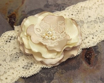 Wedding garter Garter .. Wedding Garter  Champagne  Ivory Garter Bridal Garter Vintage Inspired  Lace Garter