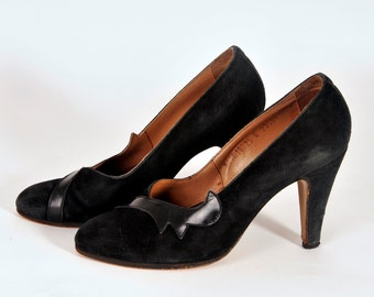 Vintage 1940s/ 1950s  Black Suede/Leather Pumps // Pin up// Baby Doll Shoes // high heels // bombshell