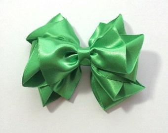 Green satin hair bow, 4 inch Satin hair bow for flower girls, bridesmaid, bridal hair bow, wedding, special occasion, Irish