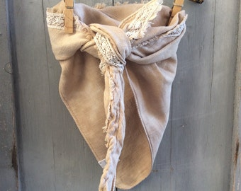 Bib or blankie with lace and button