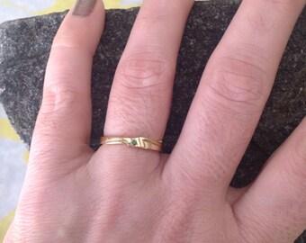 14k Yellow Gold Green Garnet Ring -- Size 6