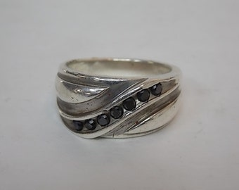 Vintage Estate .925 Sterling Silver Ring With Dark Stones 14.17g E1509