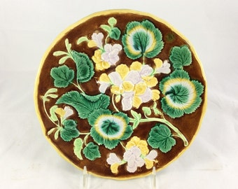Majolica Plate Made In England With Yellow Geraniums
