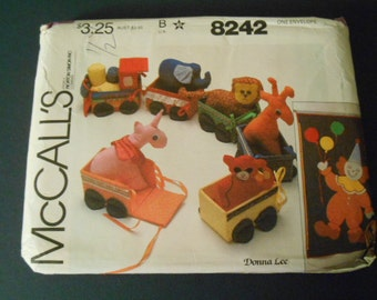 McCalls Sewing Pattern, 8242, Circus Train, Stuffed Animals, Wall Hanging
