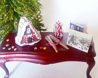 1:12 dollhouse miniature gingerbread house / Gingerbread christmas miniatures scale 1/12 / Scale one inch gingerbread Christmas hous